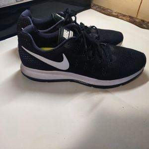 Nike Air Pegasus 33